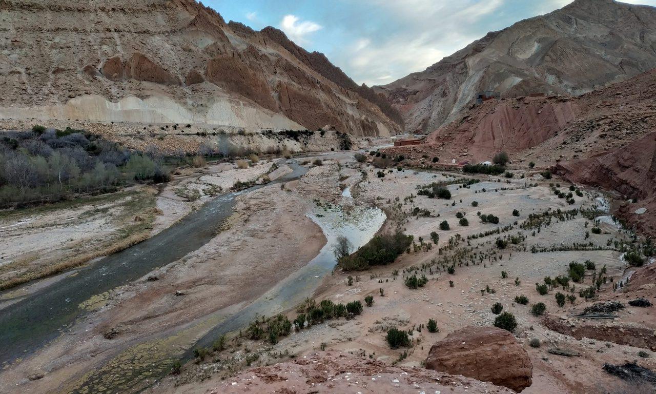 Vallée des roses au Maroc
