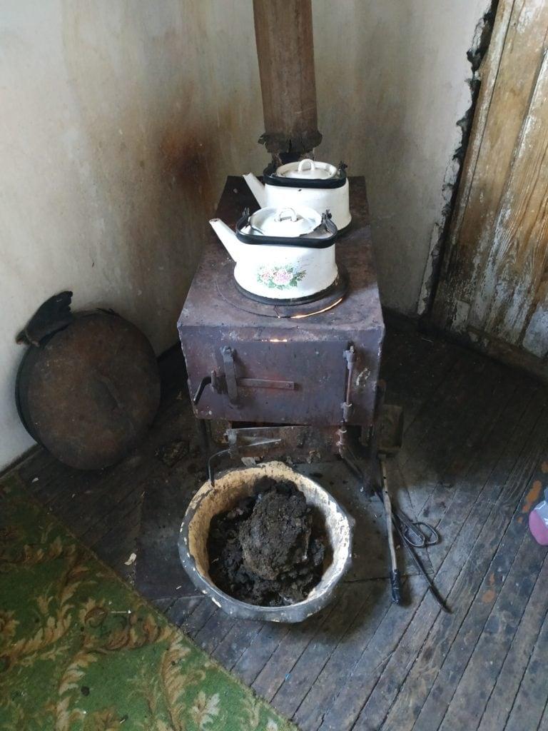 le thé chauffé à la bouse de vache séchée