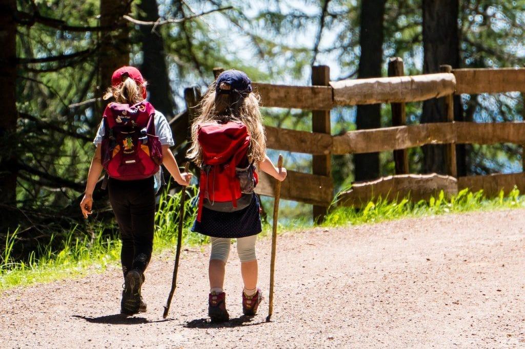 enfants en randonnée