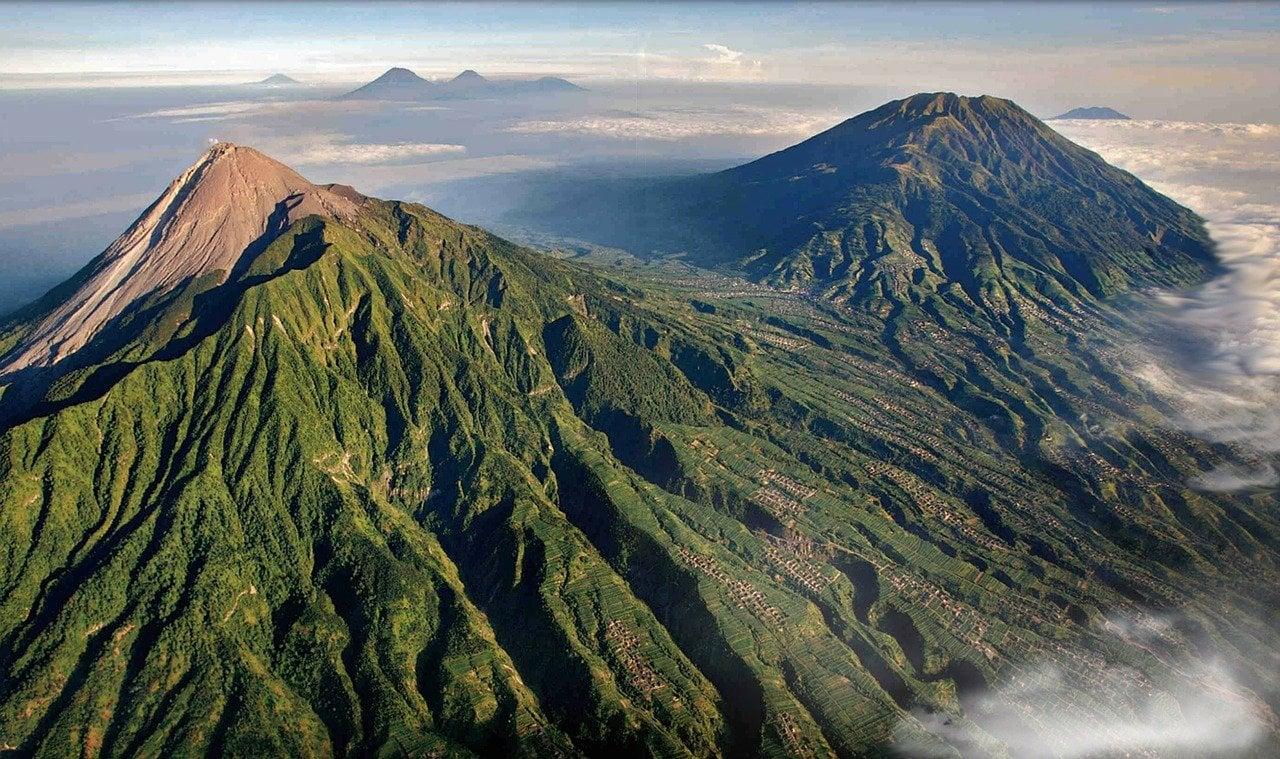 le mont Merapi en Indonésie