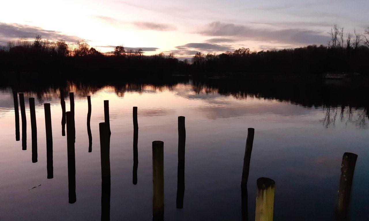 Soleil couchant sur l'étang de la Loy